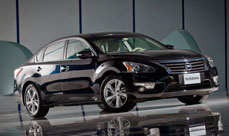 2013-Nissan-Altima-Thumbnail