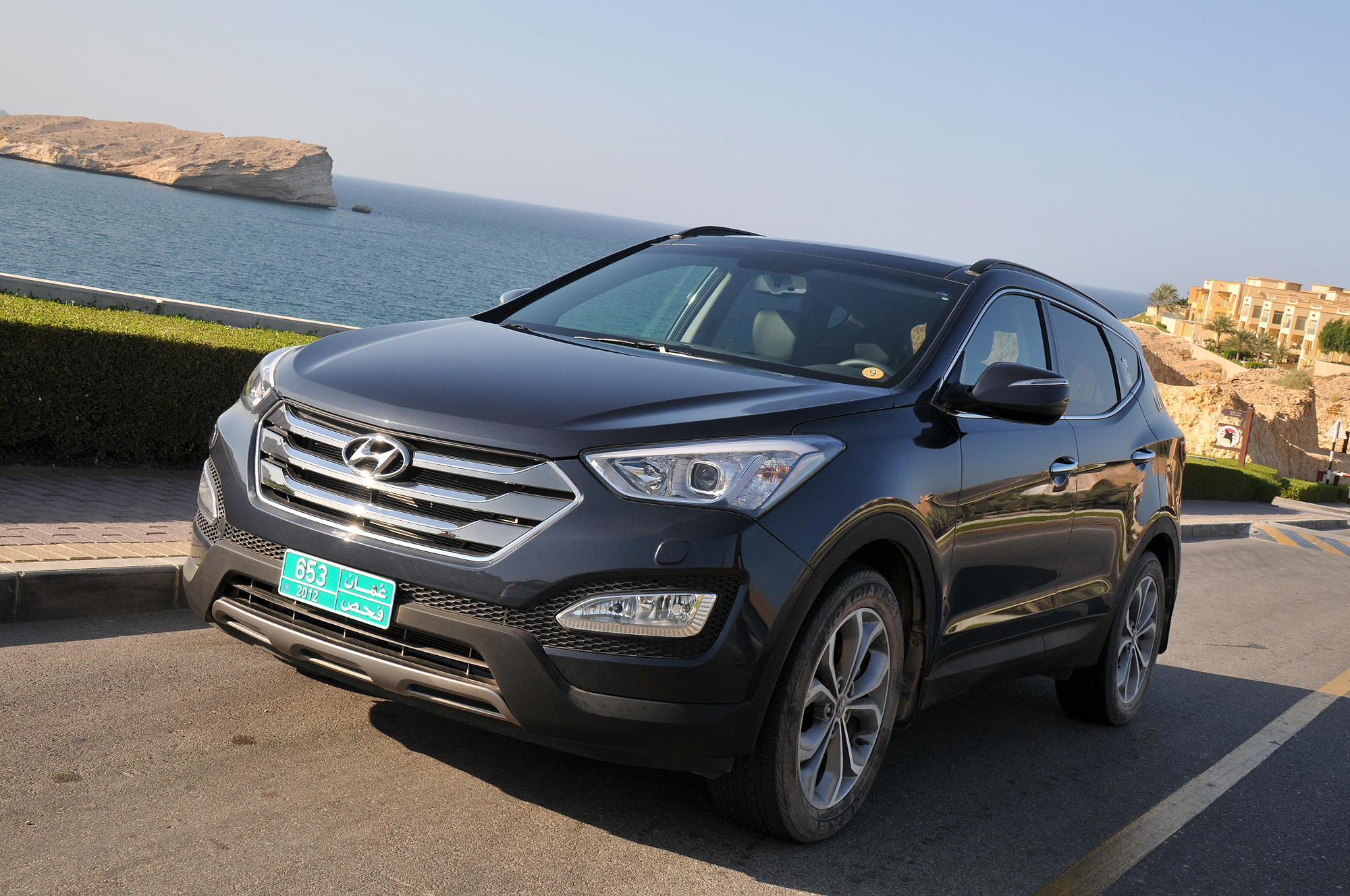 2013 hyundai santa fe now on sale motoring middle east car news reviews and buying. Black Bedroom Furniture Sets. Home Design Ideas