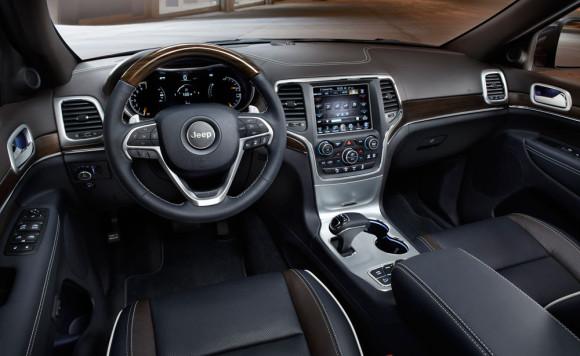 2014-Jeep-Grand-Cherokee-Interior-2