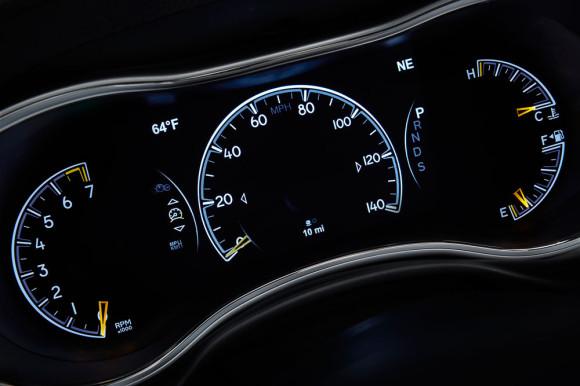 2014-Jeep-Grand-Cherokee-Interior-3