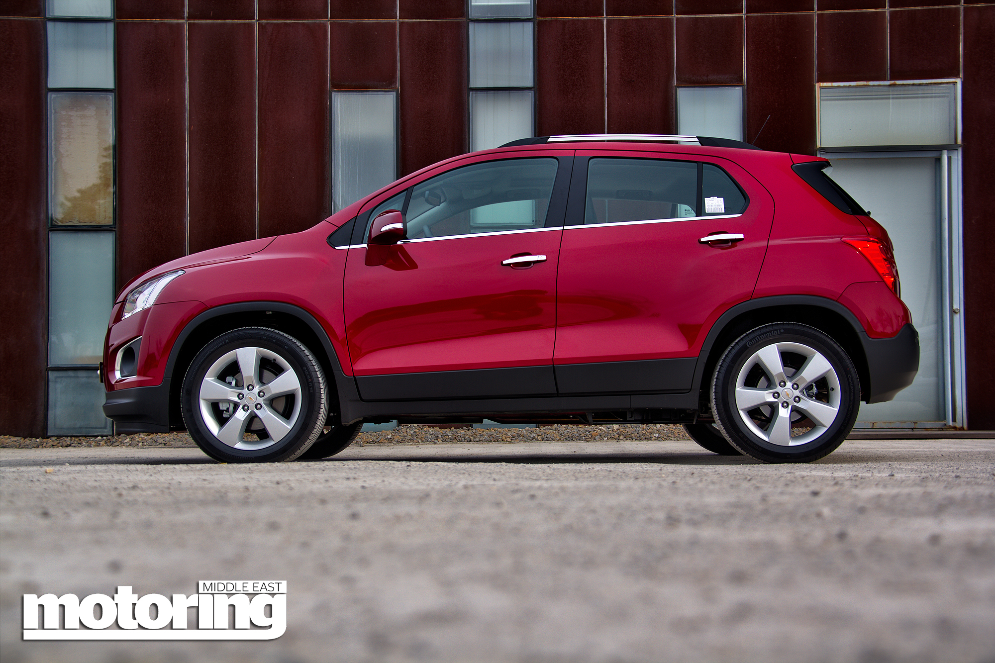 2014 chevrolet trax 1 8 reviewmotoring middle east car news reviews and buying guides. Black Bedroom Furniture Sets. Home Design Ideas