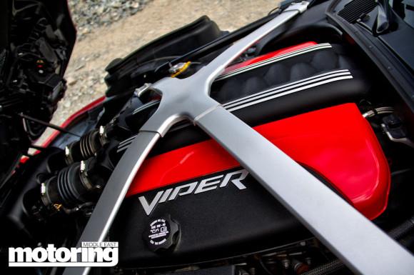 2014-SRT-Viper-27