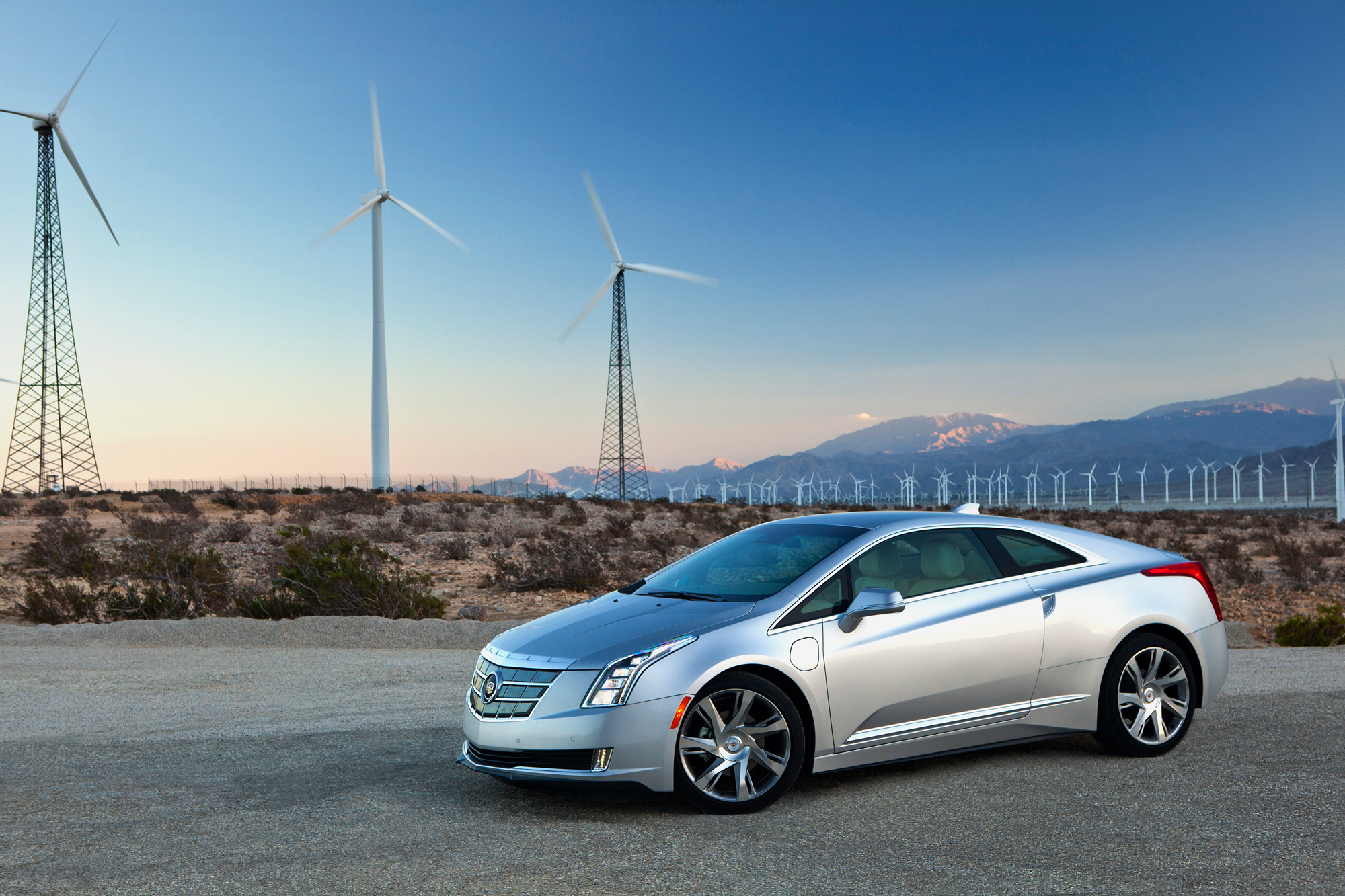 2014 cadillac elr first drive could it work in the middle east motoring middle east car news. Black Bedroom Furniture Sets. Home Design Ideas