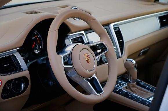 PorscheMacan_12