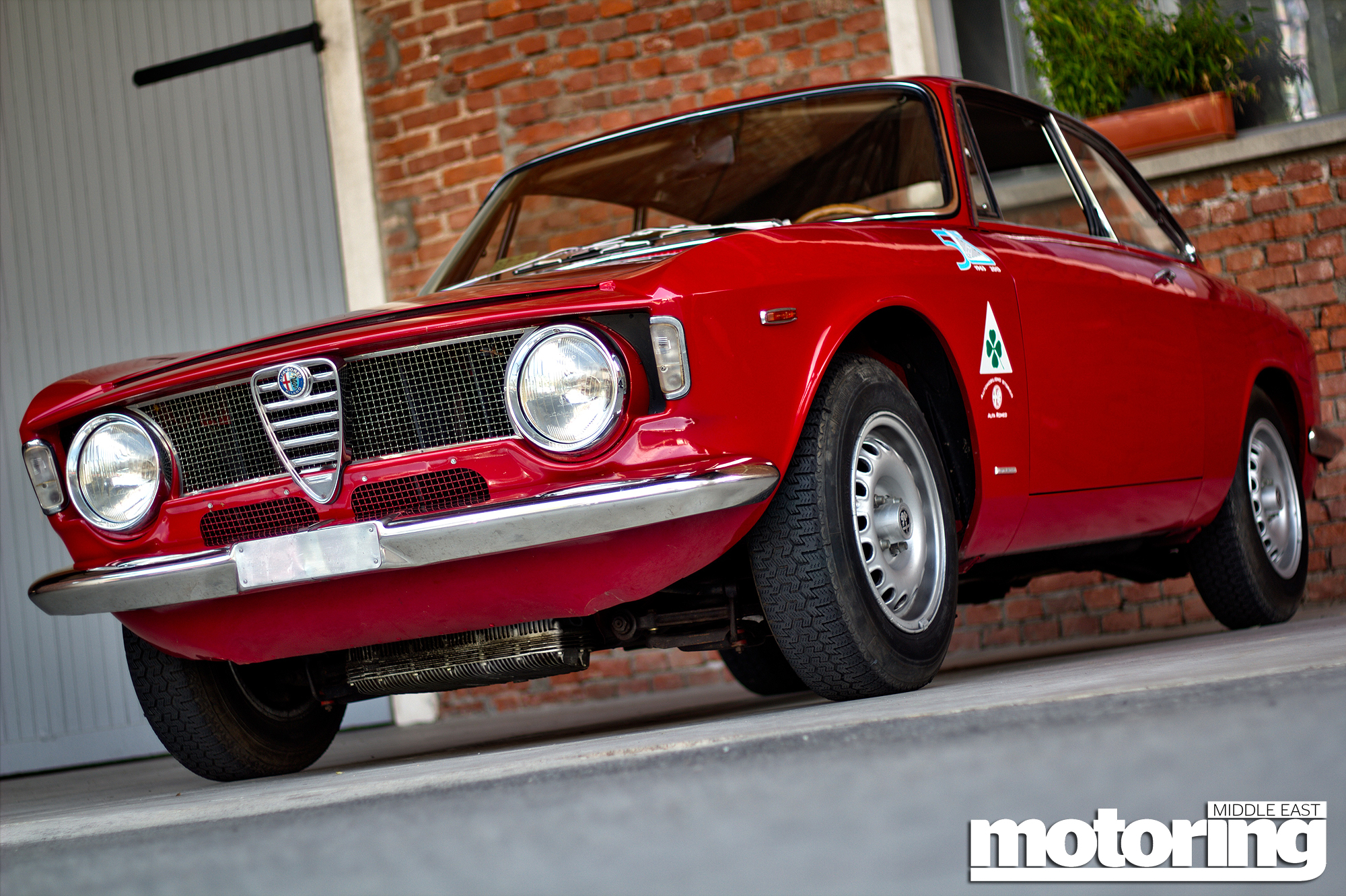 Classic Alfas We Drive Two 1960s Iconsmotoring Middle