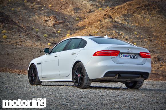 Jaguar XE 2.0 Turbo