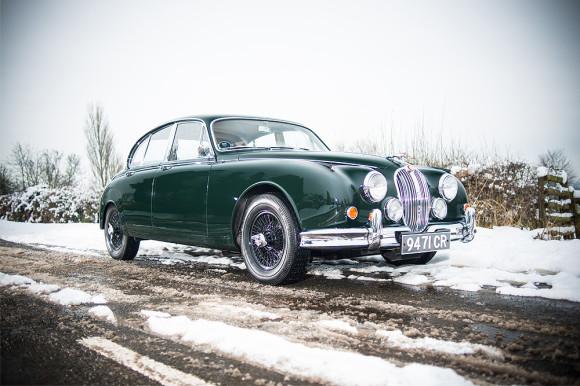 Halloween cars Jaguar Mk II