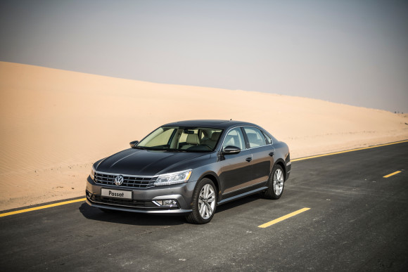 2016 Volkswagen Passat video review