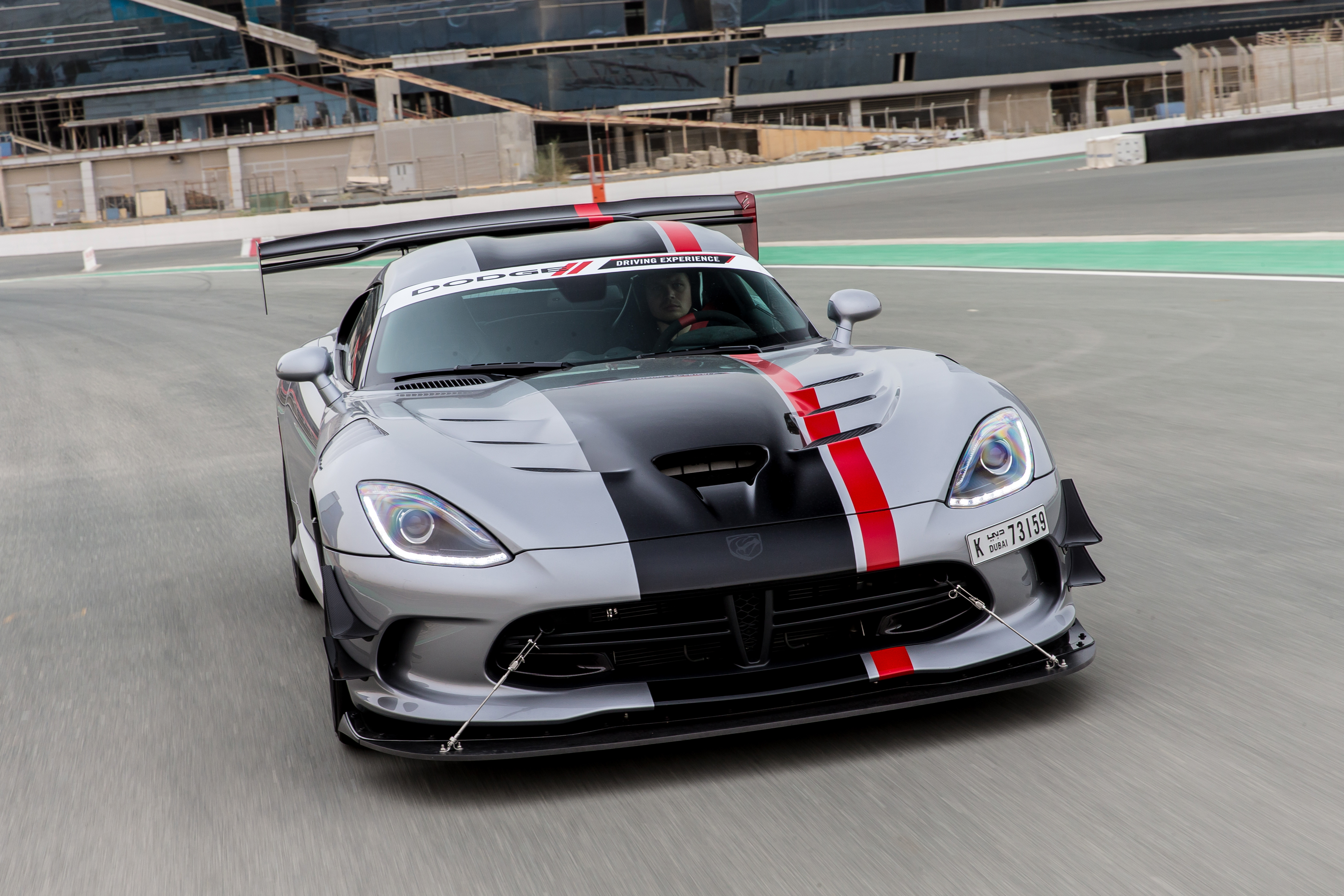 Hot laps in a 2016 Viper ACR in DubaiMotoring Middle East ...