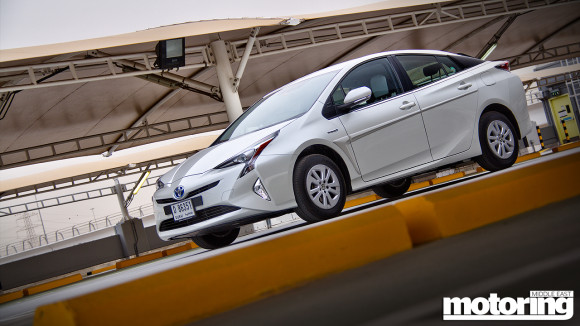 2016 Toyota Prius video review